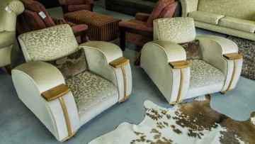 club lounge chairs